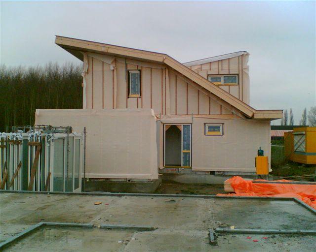 Houtconstructie-elementen voor 4 Eco-villa's