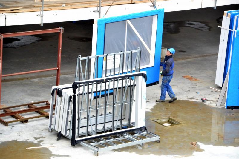 Houtconstructie-elementen 74 appartementen en winkelcentrum Portage