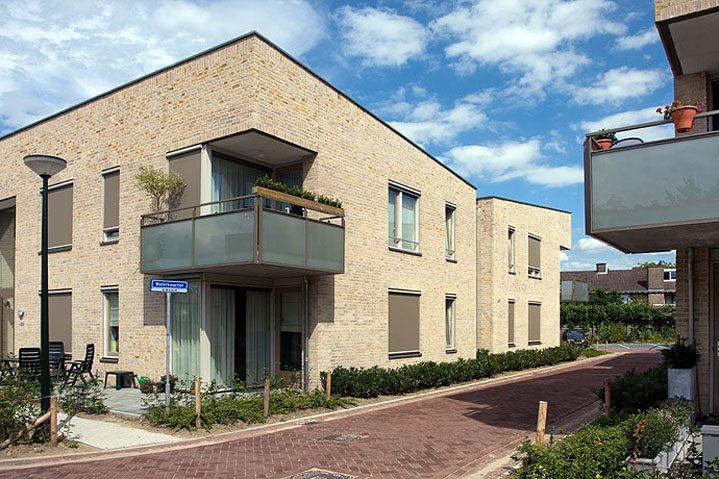 16 huurappartementen, 8 koopwoningen en 2 woonzorgvoorzieningen, Achterstraat