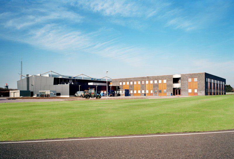 Kantoorruimte met hangars 312 squadron vliegbasis Volkel