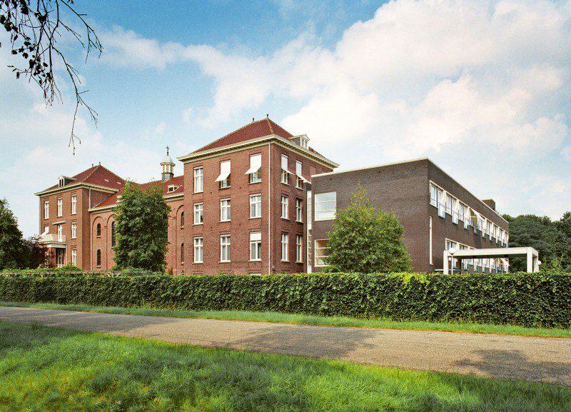 Nieuwbouw en verbouw zorgwoningen en klooster Retraitehuis