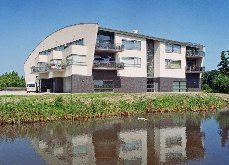11 Luxe appartementen met commerciële ruimte en parkeerkelder Vijverlaan