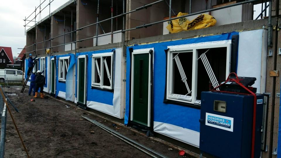 Prefab Houtconstructie: gevel- en dakelementen bij 28 starterswoningen Isidorushoeve